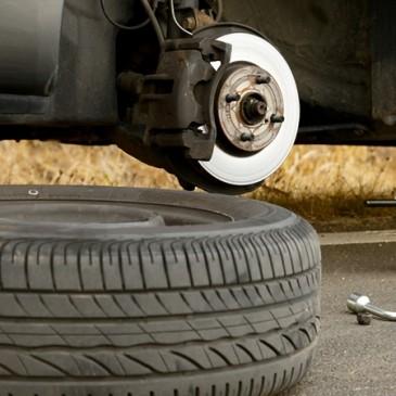 Vì sao lốp xe ô tô dự phòng nhỏ hơn lốp chính ?